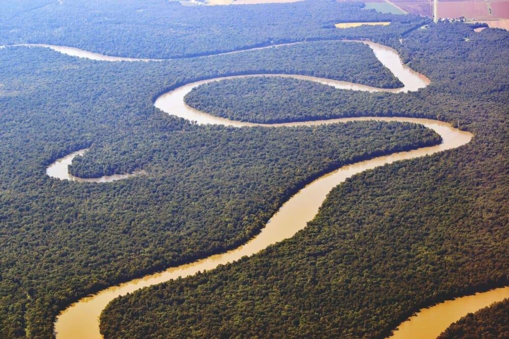 Birdseye view of the vast mississippi river