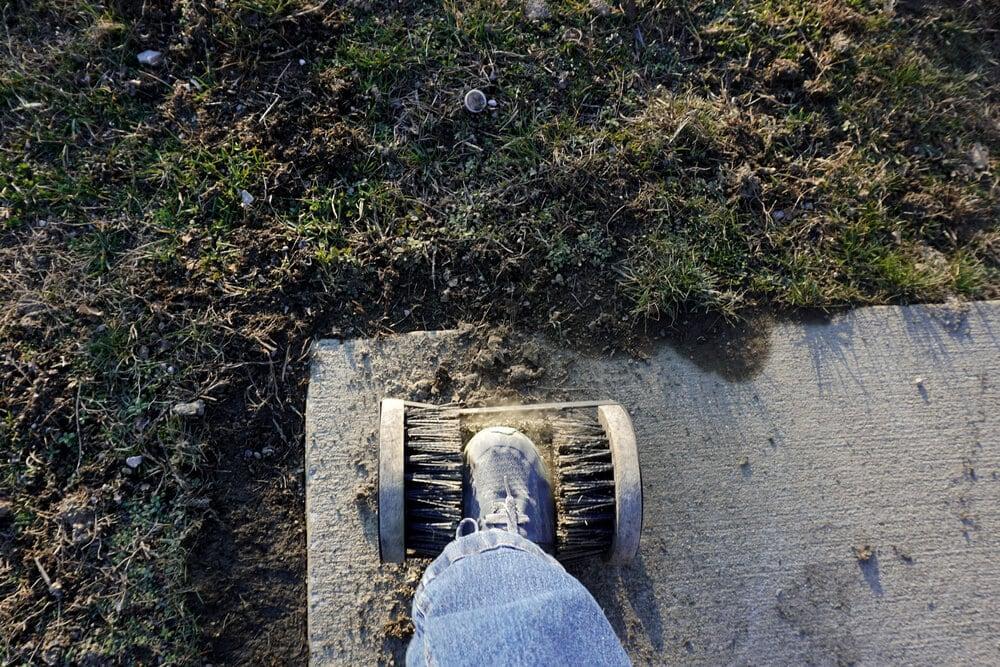 Boot cleaner machine manual brushing