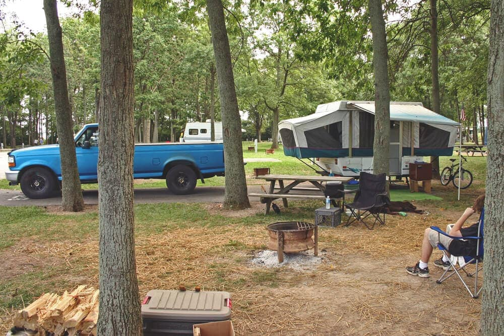 Campsite setup pop up trailer extended