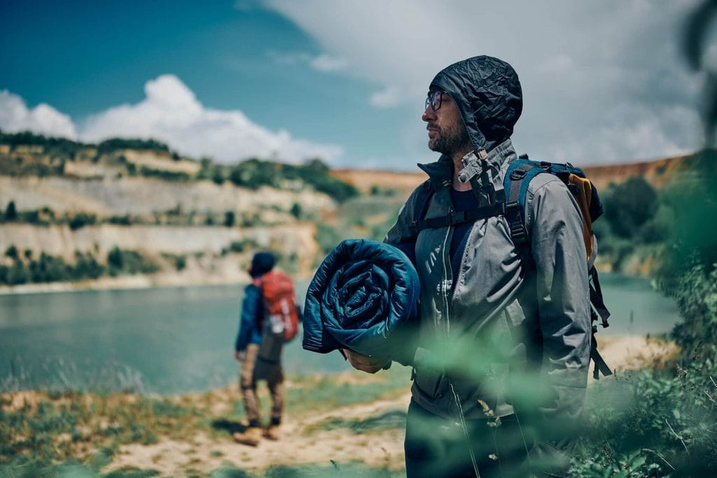 Suisse-Sport-Adventurer-Sleeping-Bag-male-camper-lookout